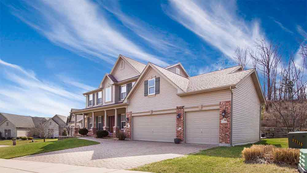 Zvestors can buy your home in Manassas Park, Virginia for cash; it's simple and fast. Contact us today at 703-259-0570 and receive your quote within one week. Zvestors pays most, if not all, fees and closing costs. That means no realtor fees, no hidden costs, and no extended waiting periods.